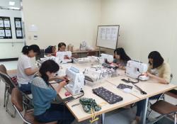 다문화 자조모임 '다우리-아이 옷 만들기' 8차 모임 진행